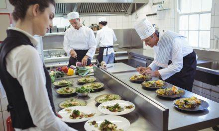 Veja como otimizar o trabalho na cozinha do seu restaurante