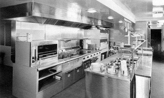 Como montar uma cozinha industrial pequena? Veja as dicas!