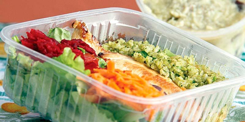 Alimentos dentro de um recipiente